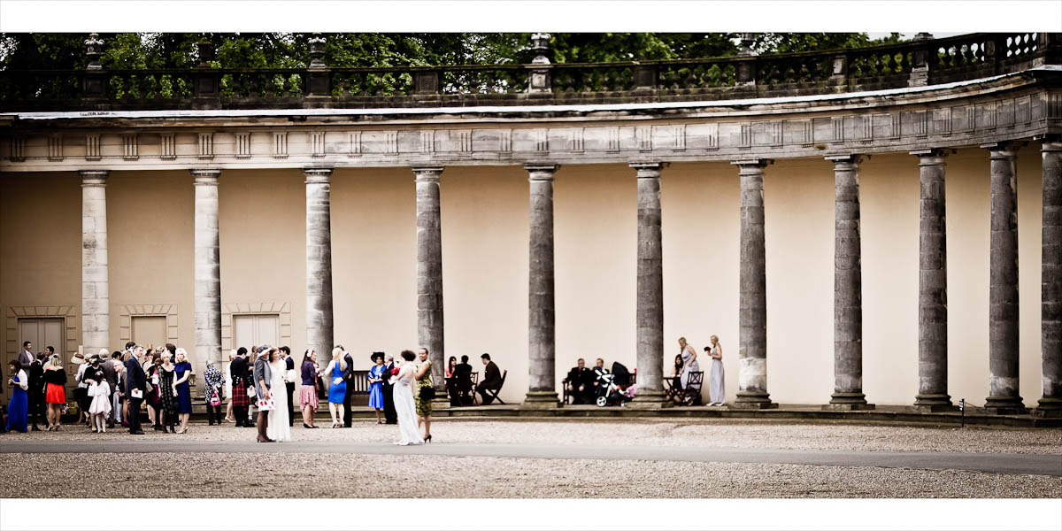 wedding quests outside Hopetoun House
