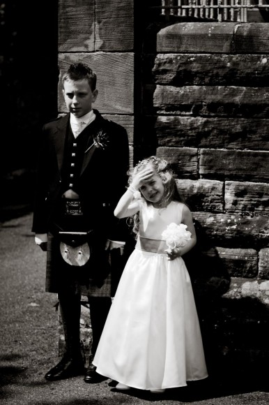 children dressed for scottish wedding